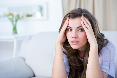 Objawy i przyczyny migreny z aurą – jak ją pokonać?