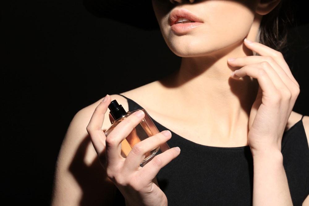 5-popularnych-zapachow-od-projektantow-mody_2