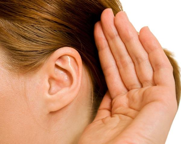 Co mogą oznaczać szumy w uszach?