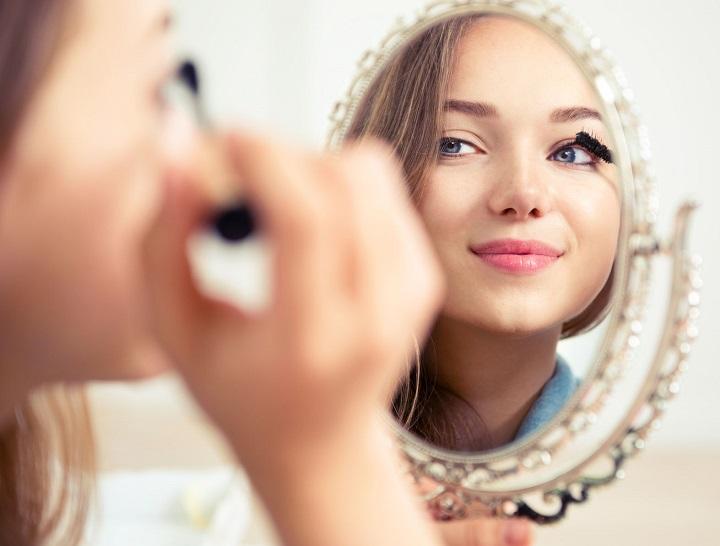 Makijażowe triki, dzięki którym wykonasz perfekcyjny make-up