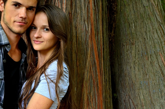 młoda zakochana para