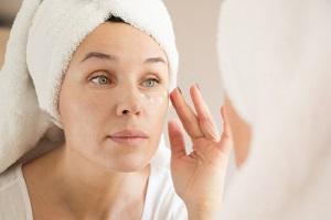 Jak dbać o skórę wrażliwą i skłonną do alergii?