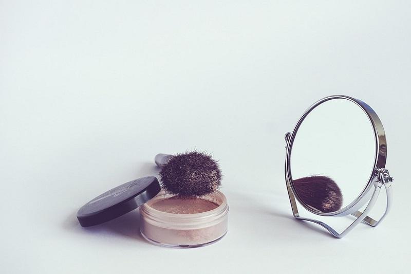 puder pędzel kosmetyczny
