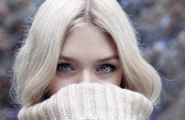 Makijaż na zimę – jakich kosmetyków używać na chłodniejsze dni?
